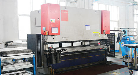 スイスBystronic XACT250M 高速、高精度折り曲げ加工機